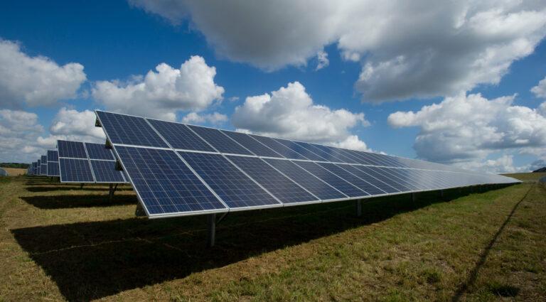 Comunidades Energéticas y Agencias de la Energía: su papel en la promoción de las energías renovables